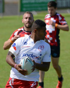Pte Ratu Balamkau showing a shoulder to a potential attack